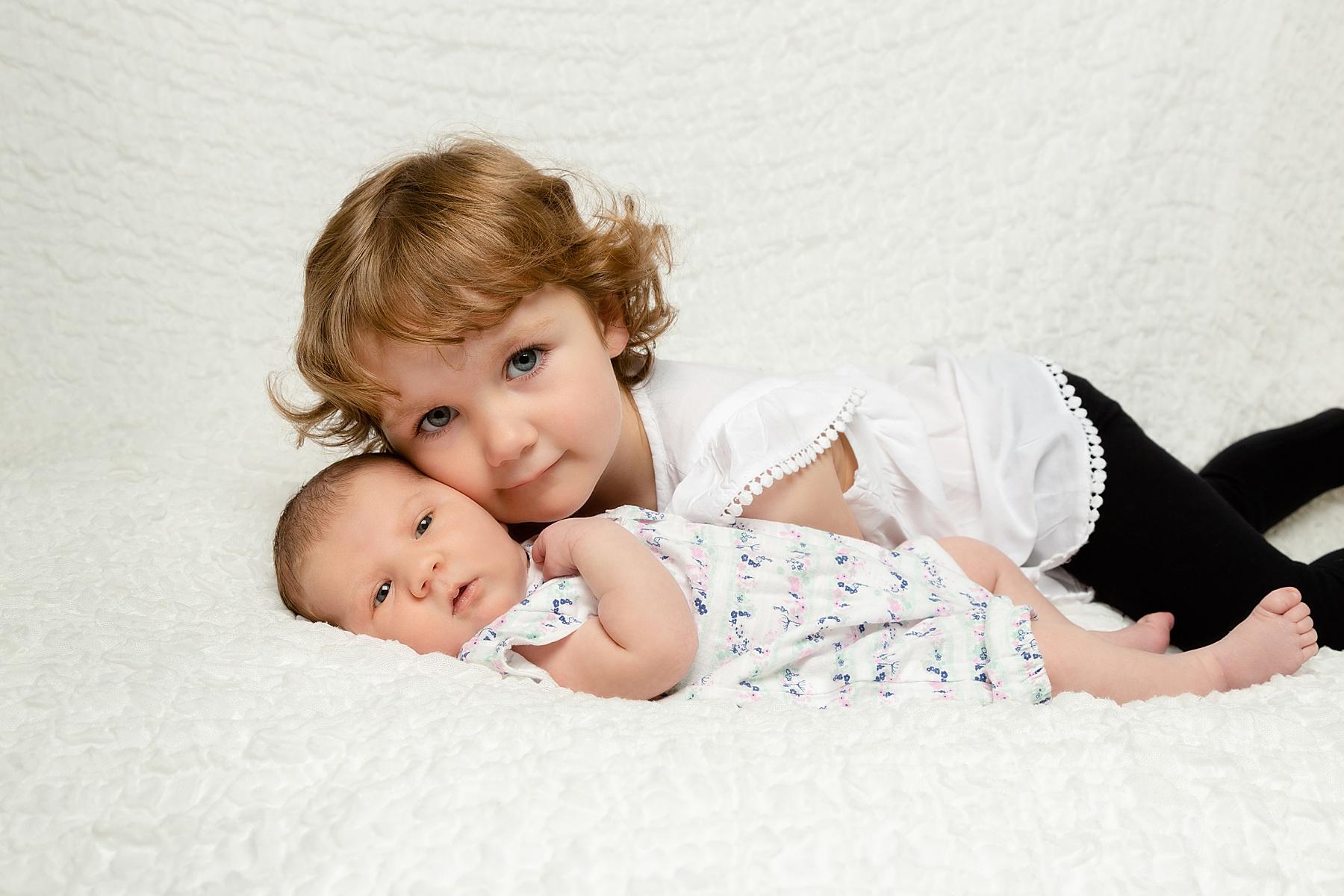 newborn photography with sibling edinburgh